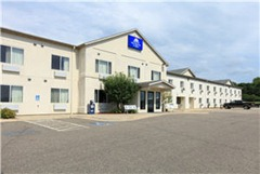 America's Best Value Inn &amp; Suites - Northfield